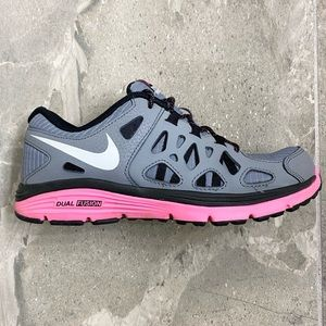 Nike Dual Fusion Run 2 Size 4Y or Women's 5.5